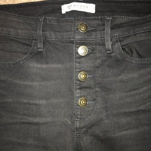 Guess Jeans w/ ripped knees sz 29